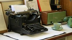 typewriter-163990_1280